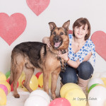 Aramis (https://schroniskopromyk.pl/aramis-2/) Aramis to w sumie dopiero u nas poznaje zalety bycia kochanym. Całe życie był wzorowym pracownikiem (jako stróż), ale już wie, że nie samą pracą żyje pies. Dziś Aramis szuka miłości na pełen etat.